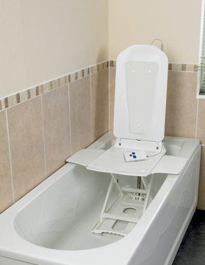Bathmaster Deltis (White)